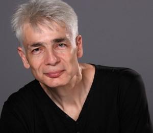 Un homme d'une cinquantaine d'années, Pierre-François Kettler, sourit avec simplicité