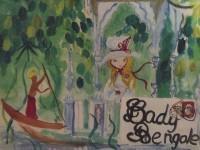Cette photographie d'un tableau représente une jeune femme qui regarde passer un bengali sur une pirogue, au cœur de la forêt d'un vert agate.